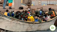 Vídeo grabado el 8 de enero, cuando un cayuco desembarcó en la Playa de los amadores, en Gran Canaria.