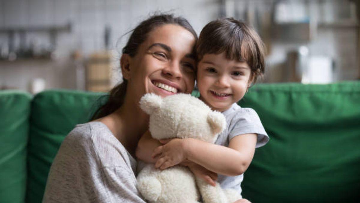 Para qué sirven los abrazos a los niños