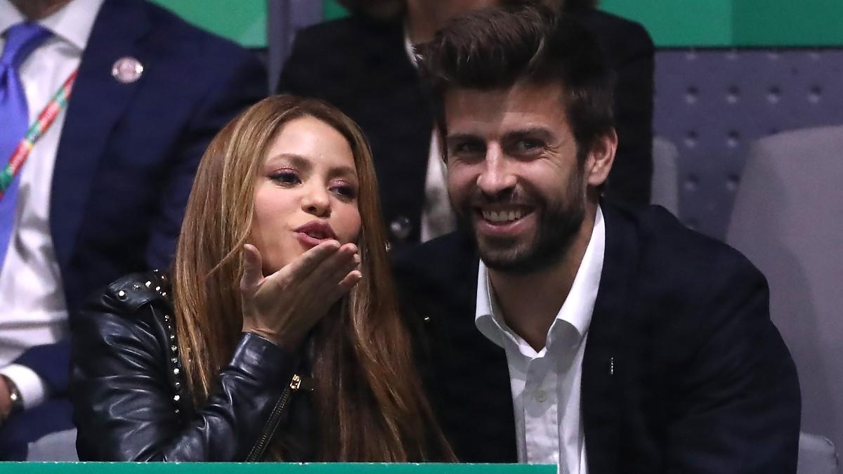 Piqué, en la Copa Davis junto a Shakira. (Getty)