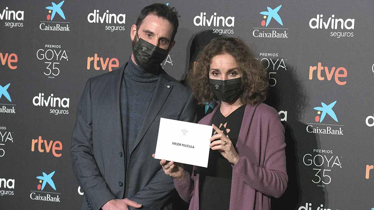 Dani Rovira y Ana Belén durante la lectura de los Premios Goya 2021. Foto: EP