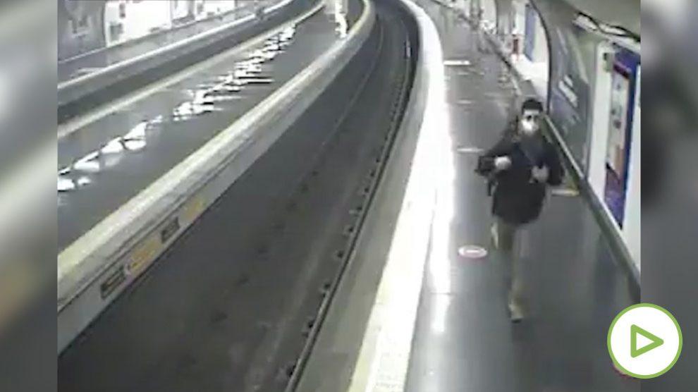Un policía fuera de servicio evita que un hombre sea arrollado en el Metro de Madrid