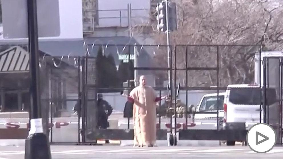 La policía estadounidense detiene a un hombre en la investidura de Biden