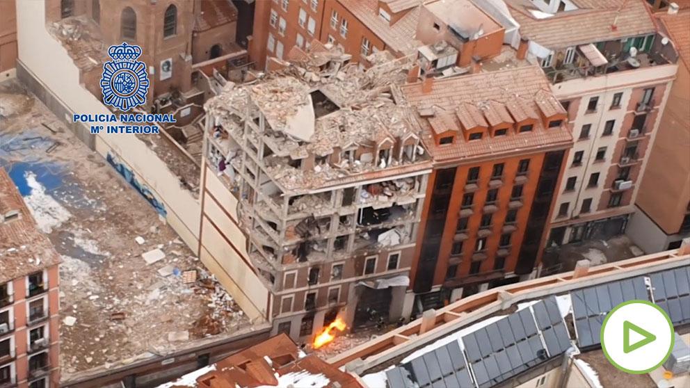 Estas son las vistas aéreas que ofrece la Policía de la tremenda explosión que ha tenido lugar en la calle Toledo de Madrid.