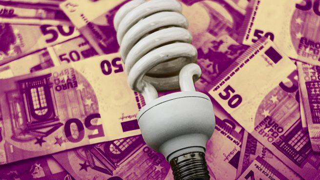 El Gobierno ingresará en enero 20 millones extra de las familias por el IVA de la luz que no ha bajado