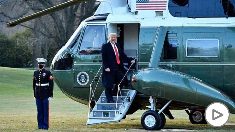 Donald Trump abandona la Casa Blanca. Foto: AFP