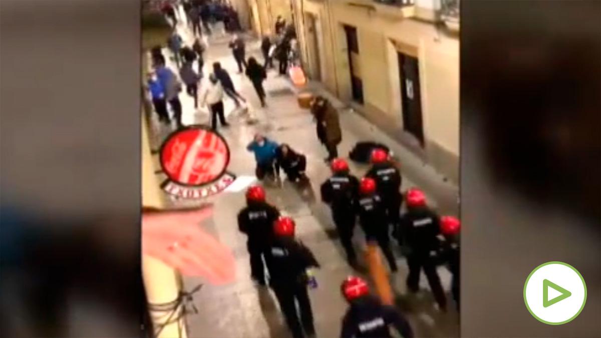 El Día de San Sebastián acaba con enfrentamientos con la Policía y cuatro detenidos.