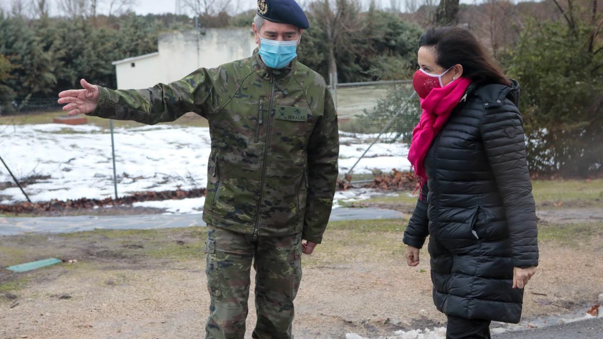Visita de la ministra de Defensa, Margarita Robles, a la Brigada de Sanidad (Rubén Somonte. (Defensa).