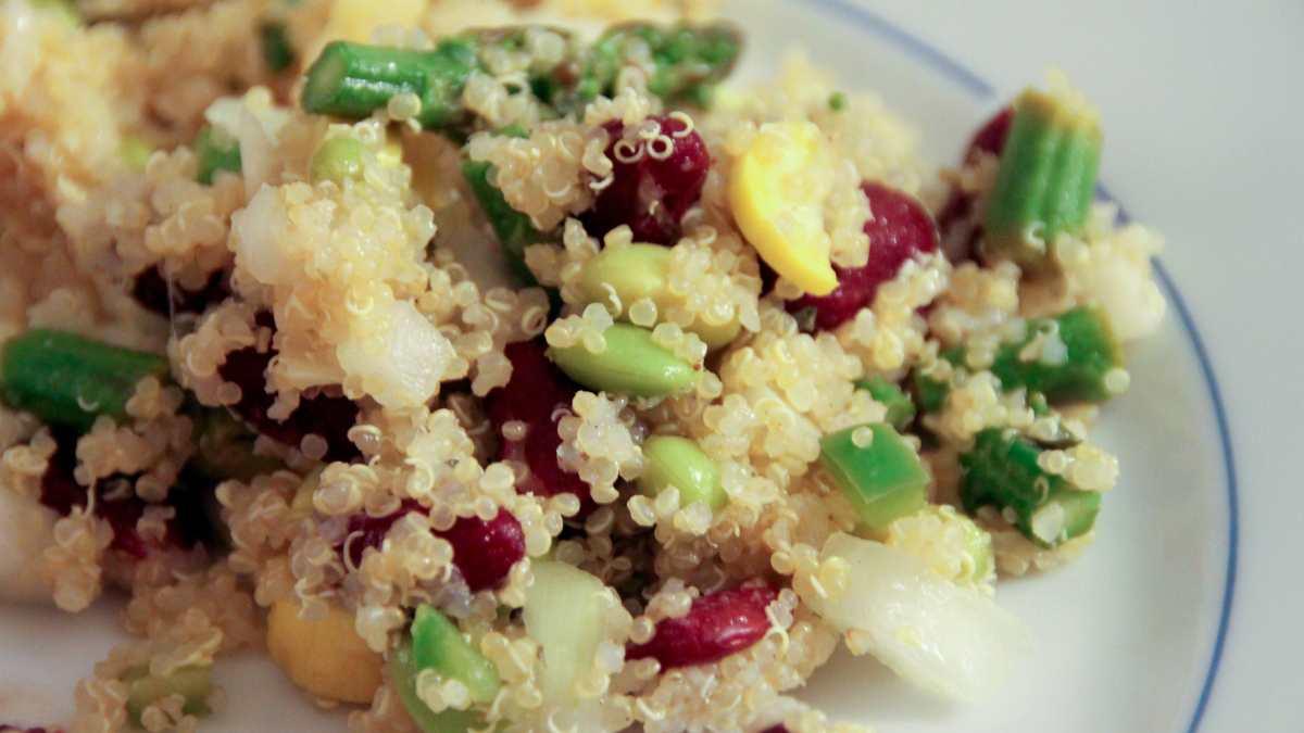 Ensalada de quinoa y hortalizas asadas