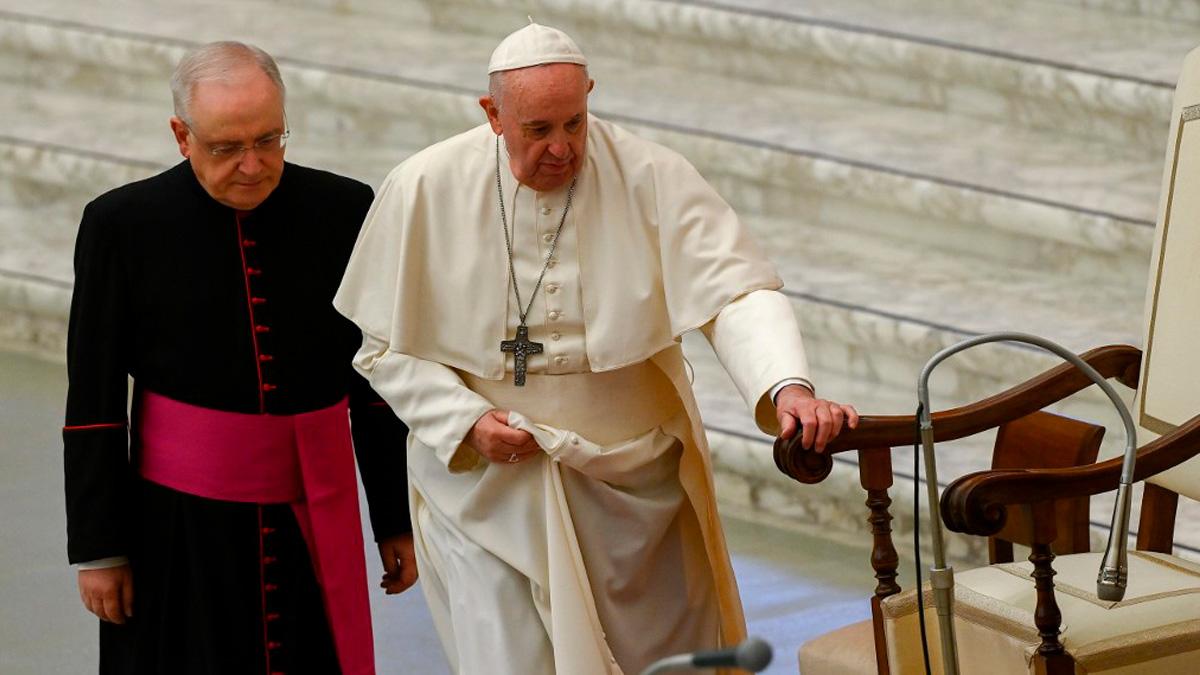El Papa Francisco oficia una misa en el Vaticano. Foto: AFP