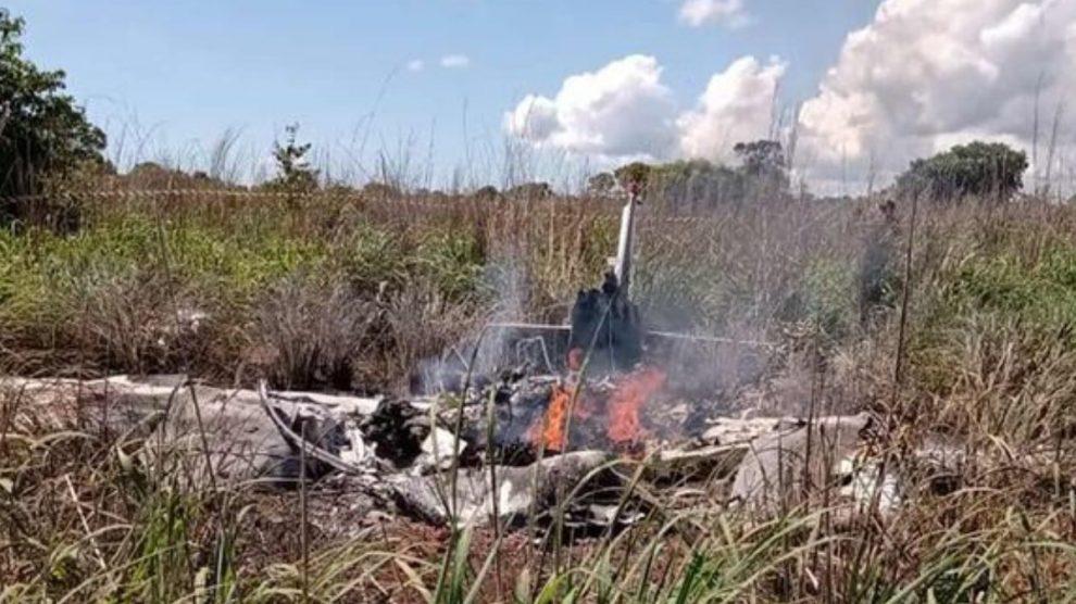 Imagen del accidente del avión de Palmas Fútbol y Regatas en el que viajaban los seis fallecidos. (Twitter)