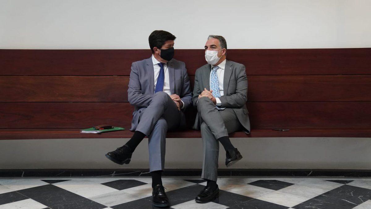 Juan Marín, vicepresidente de la Junta de Andalucía, y Elías Bendodo, consejero de Presidencia.