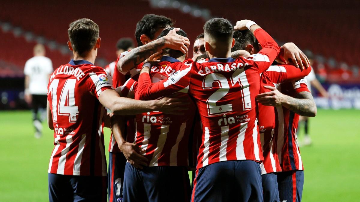 Los jugadores del Atlético de Madrid celebran un gol. (EFE)