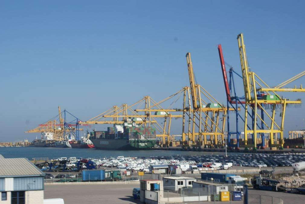 Puertos del Estado advierte de un caos por la llegada de 65.000 contenedores tras la apertura de Suez