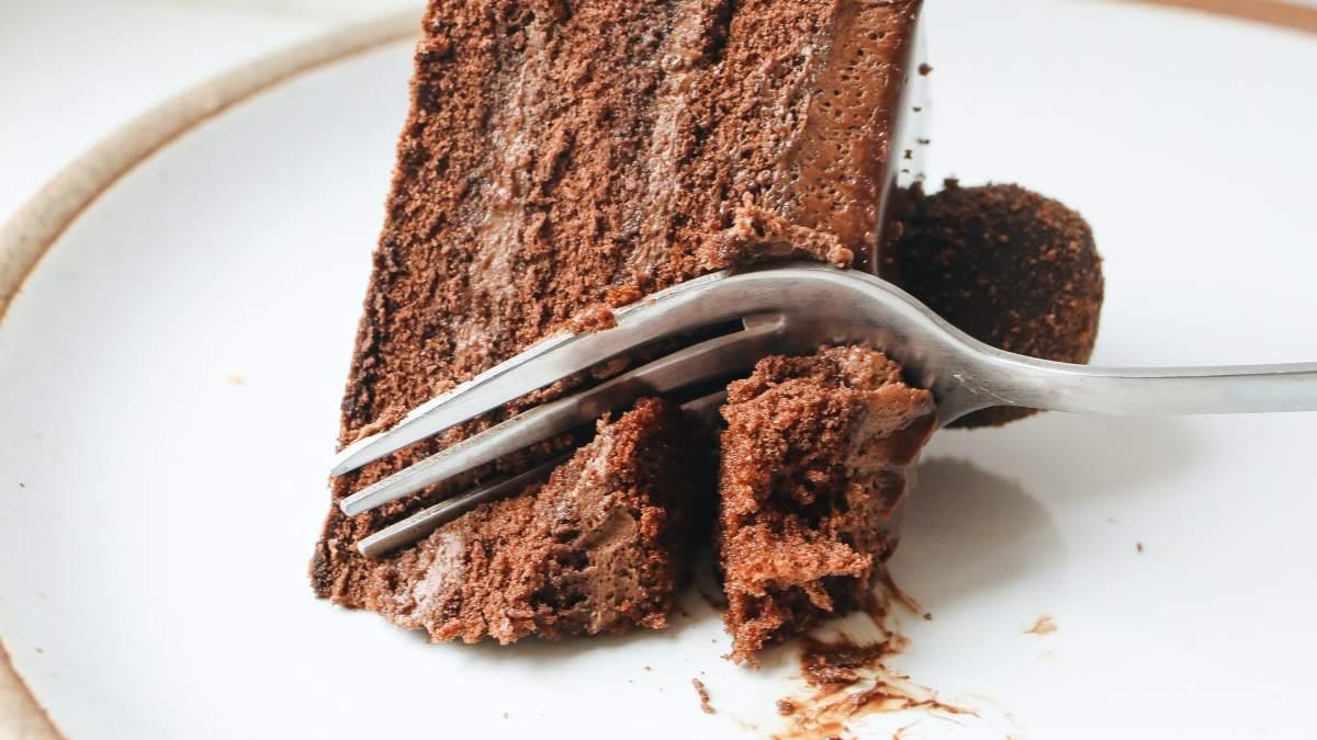 Receta de pastel de frambuesas con trufas de chocolate