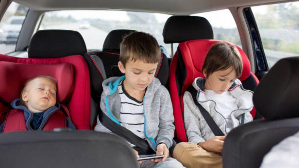 Descubre cómo ha cambiado la normativa con respecto a las sillitas de bebés en el coche
