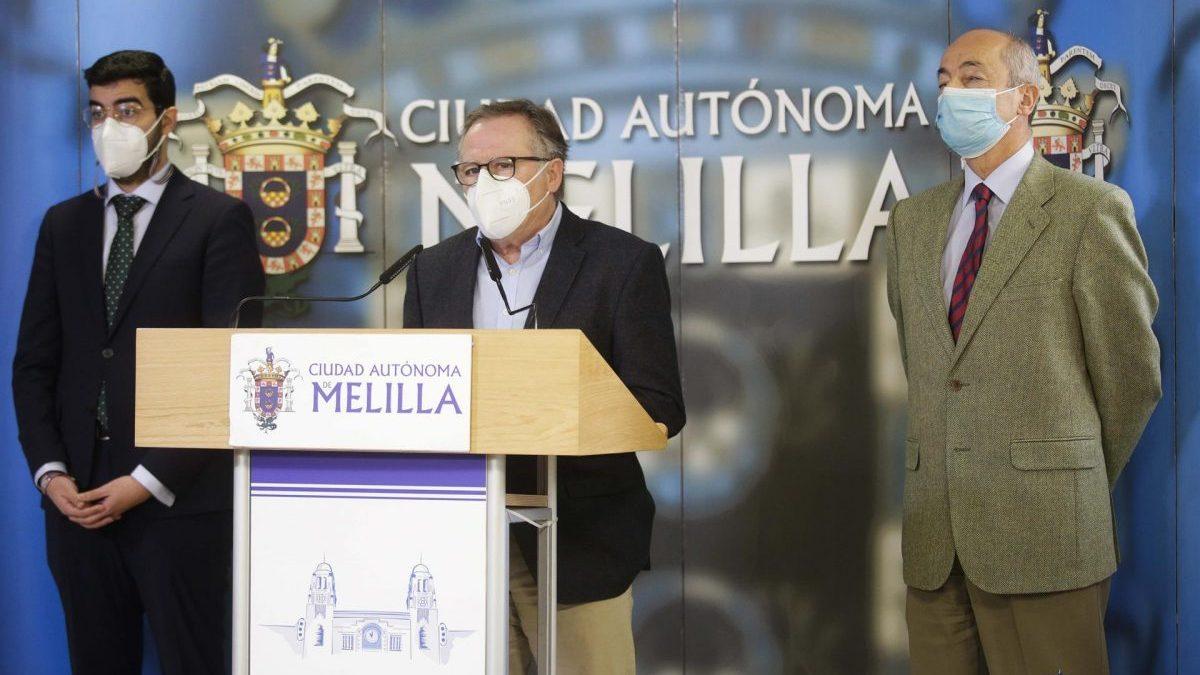 De Castro, Mohand y Cabanillas anunciando las medidas anticovid en Melilla.