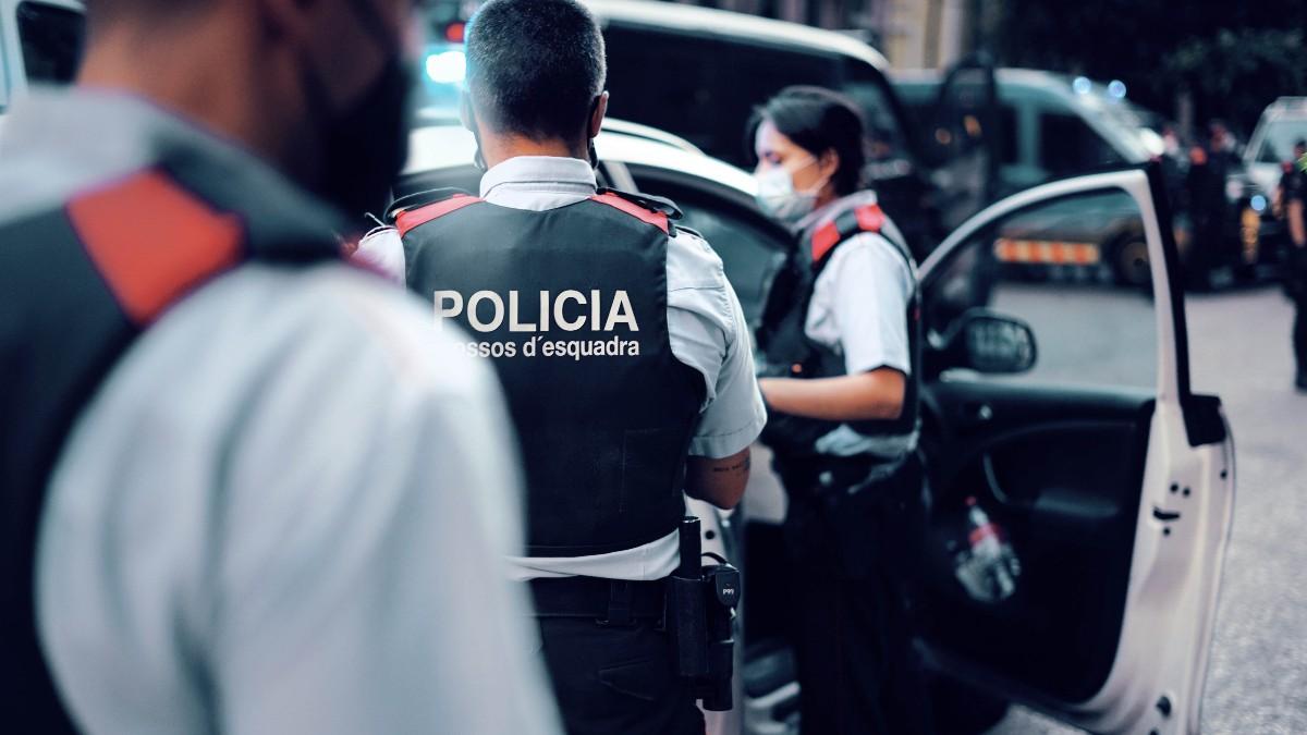 Los Mossos en una operación en una foto de archivo. (@mossos)
