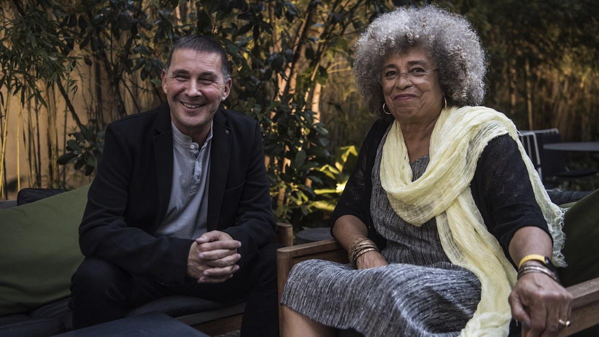 Arnaldo Otegi junto a Angela Davis.