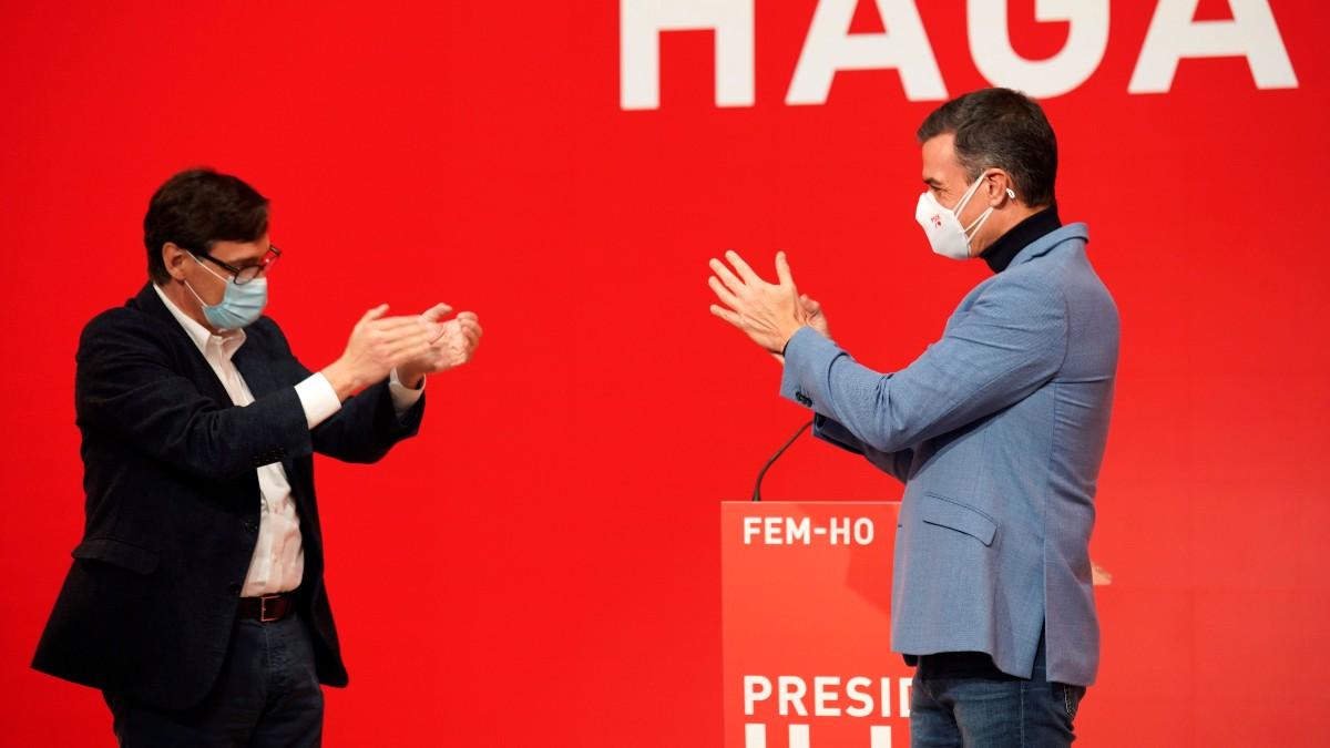 Pedro Sánchez y Salvador Illa en un acto electoral del PSC.