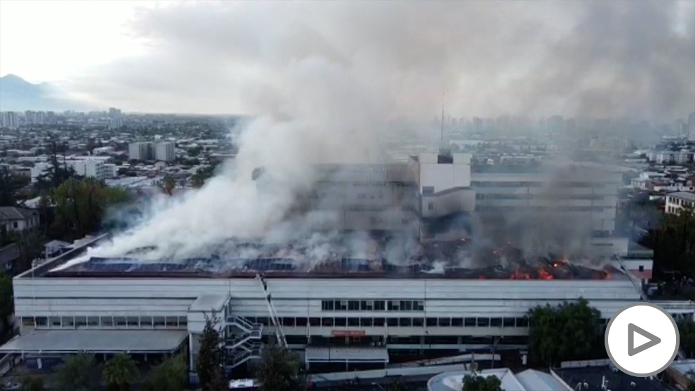Arde un hospital en Chile