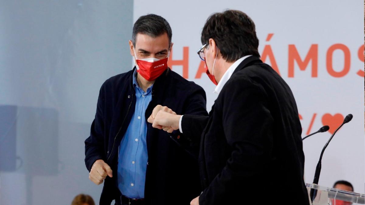 Pedro Sánchez junto a Salvador Illa en un acto de campaña para el 14F.