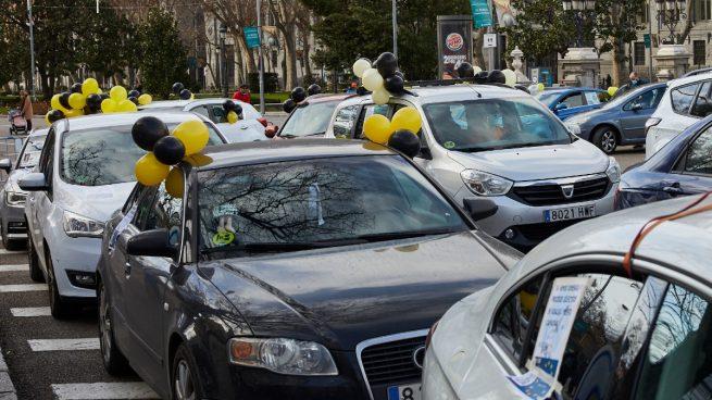 Empleados públicos temporales se manifiestan en toda España para pedir el fin del «abuso de la temporalidad»