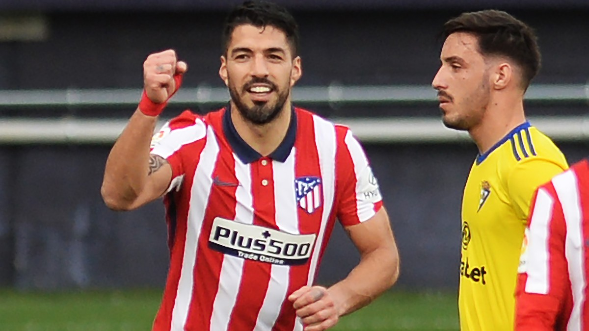 Luis Suárez celebra su gol contra el Cádiz. (AFP)