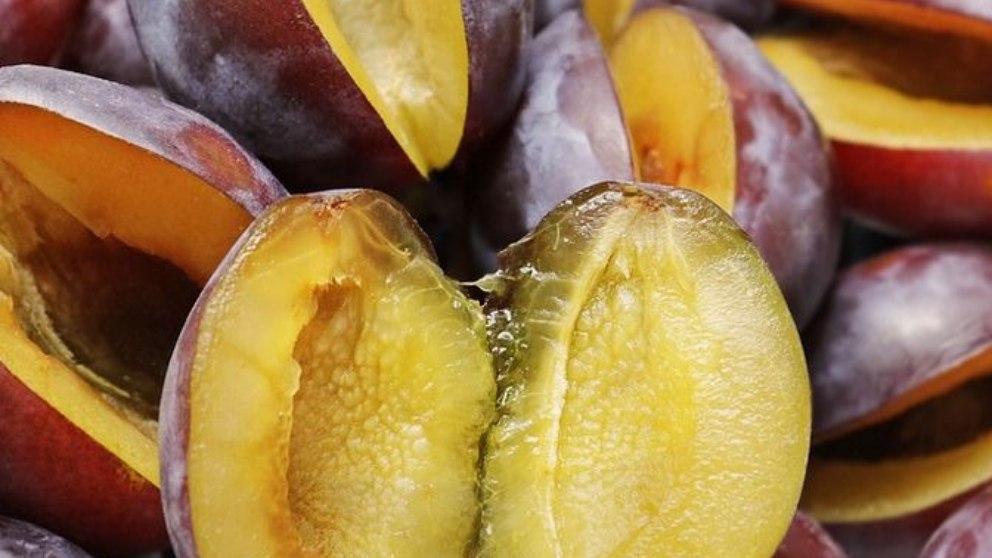 Ciruelas: los beneficios de una de las frutas más antioxidantes que conocemosCiruelas: los beneficios de una de las frutas más antioxidantes que conocemos