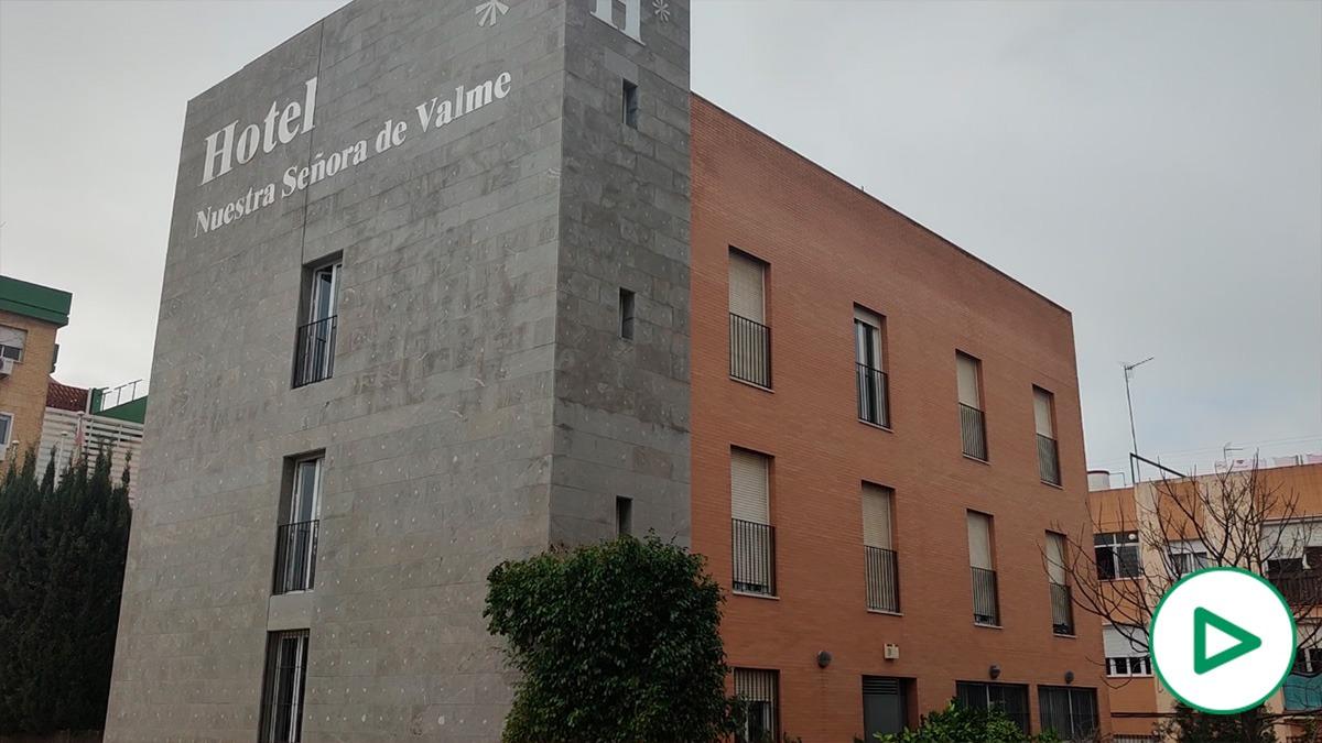 Hotel Nuestra Señora de Valme, en Sevilla, reconvertido en centro de acogida de inmigrantes ilegales.