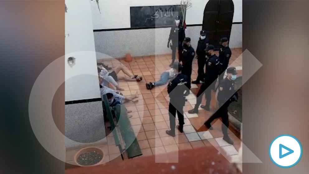 Los educadores de un centro de menores inmigrantes no acompañados frustran un montín con armas blancas en Gran Canaria.