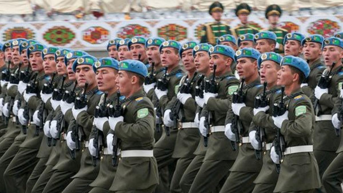 Desfile militar en Turkmenistán, uno de los países a los que el Gobierno de coalición ha autorizado la venta de material de defensa.