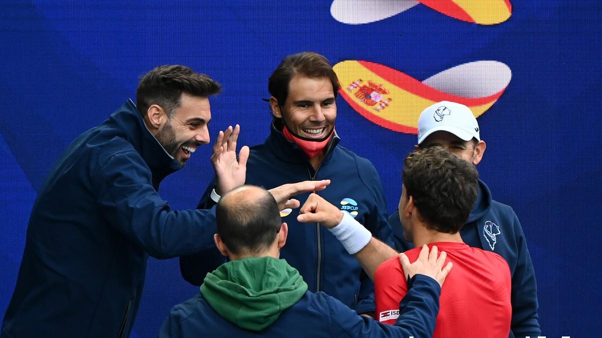 Nadal felicita a Carreño tras su victoria. (Getty)