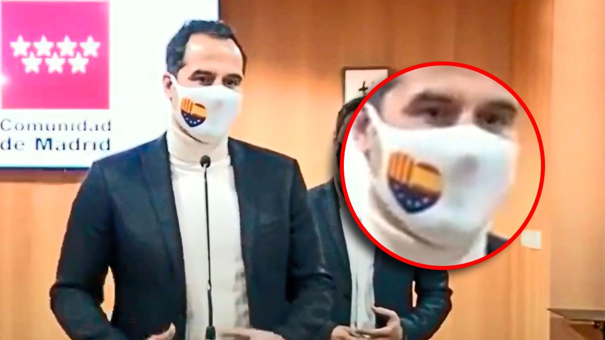 Ignacio Aguado, este viernes con la mascarilla de Cs en un acto oficial.
