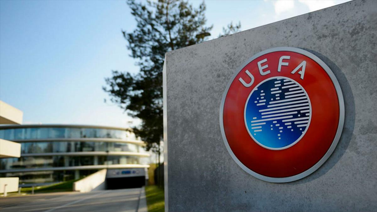 La UEFA pide consejo a la FIBA para evitar una Euroliga en el fútbol.