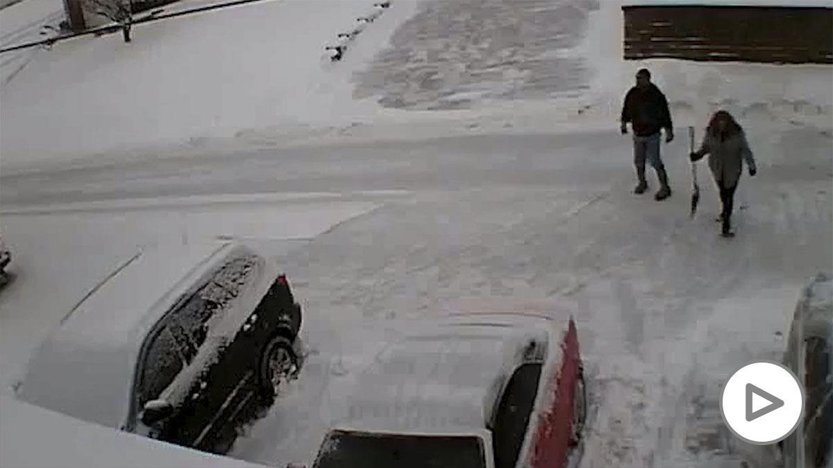 Un hombre mata a sus vecinos a tiros y se suicida en Pensilvania tras discutir por la limpieza de la nieve.