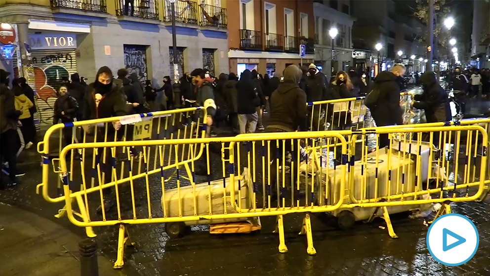 Vandalismo tras la concentración a favor del rapero podemita Pablo Hasel.