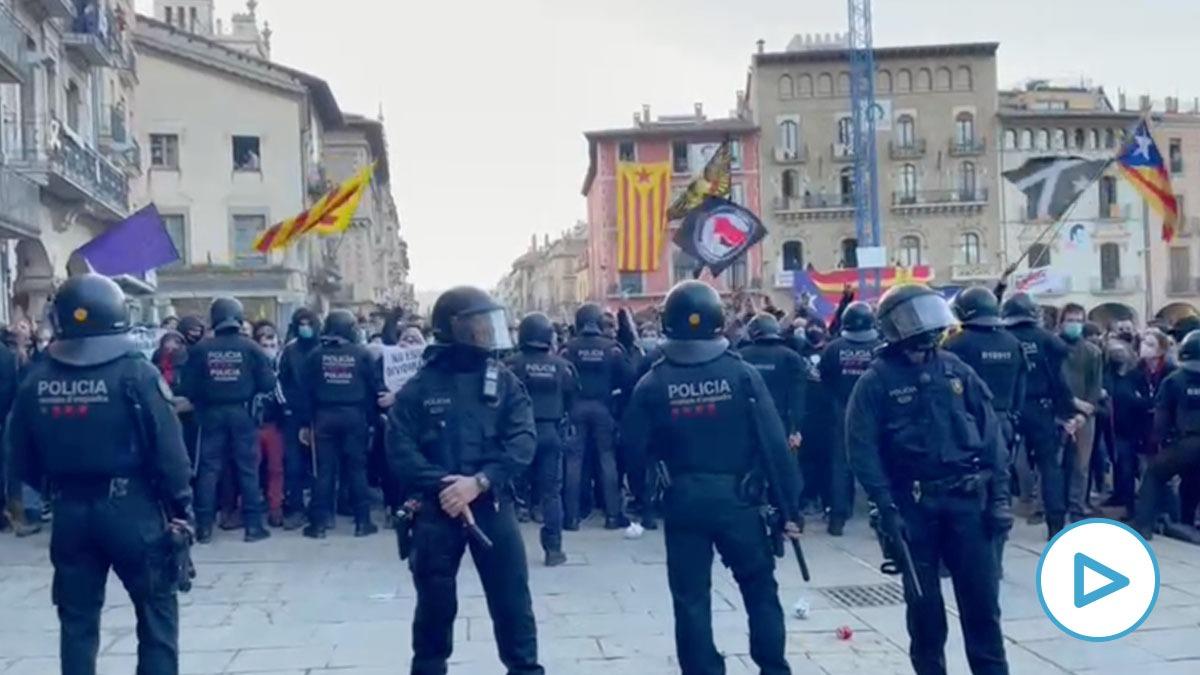 Violencia contra el acto de Vox en Vic (Barcelona).