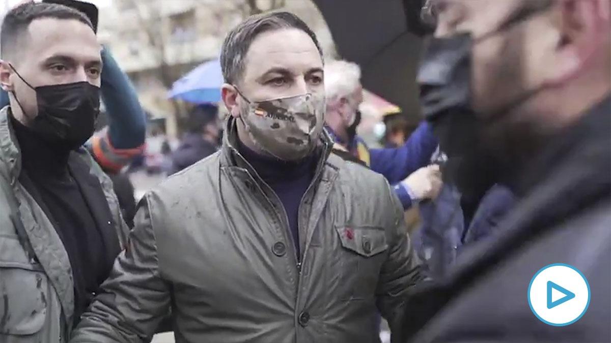 Santiago Abascal recrimina al jefe de Mossos su pasividad ante la violencia contra Vox.