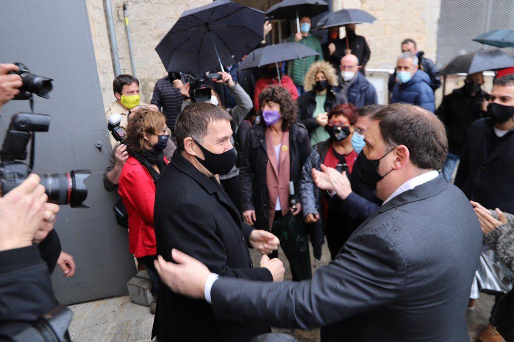 Arnaldo Otegi y Oriol Junqueras en un acto de la campaña catalana.
