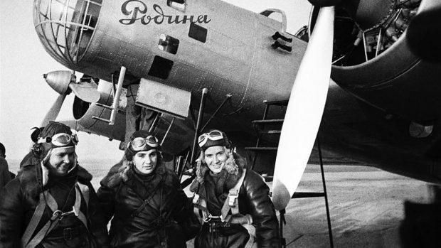 Brujas de la noche: las aviadoras rusas que atemorizaron a los nazis en la II Guerra Mundial