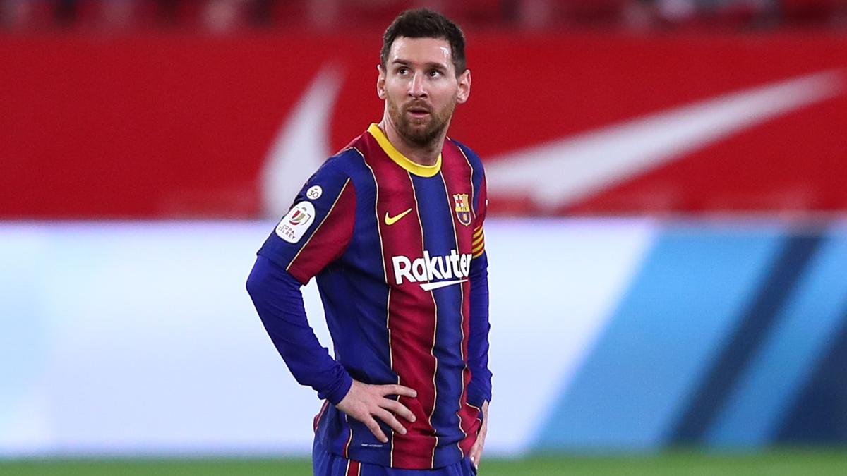 Leo Messi, tras uno de los goles del Sevilla en la semis de Copa del Rey. (Getty)