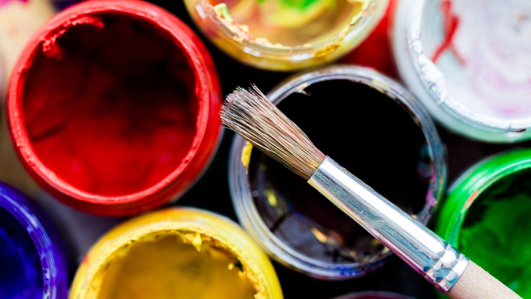Cómo pintar con pintura acrílica