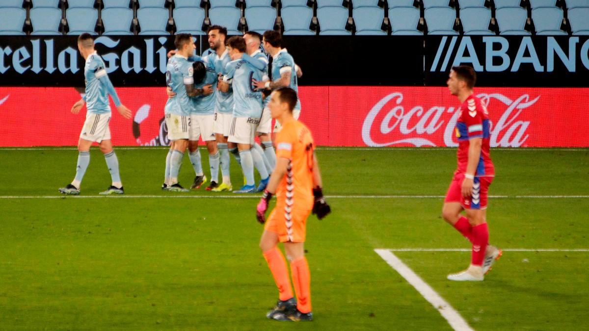 El Celta celebra un gol ante el Elche. (EFE)