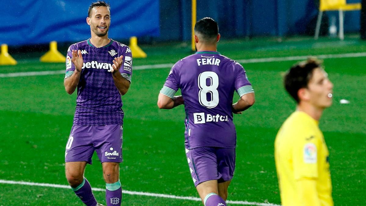 Canales y Fekir celebran un gol del Betis. (EFE)