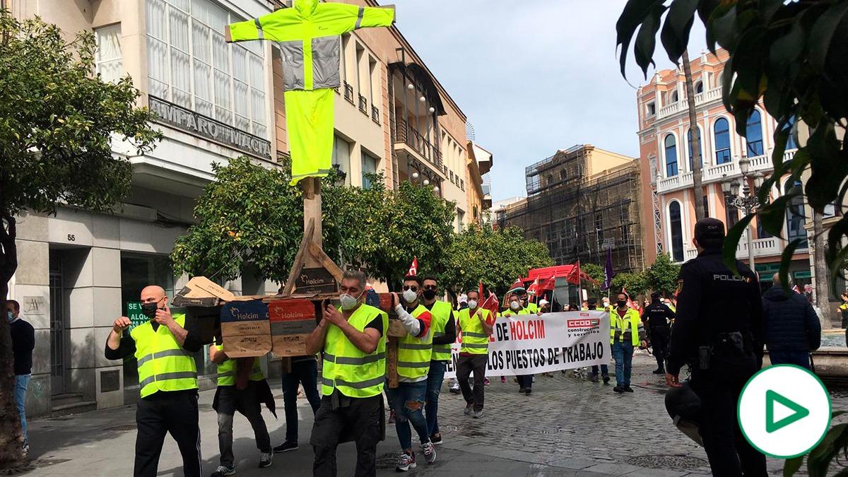 CCOO ha decidido mofarse de los católicos andaluces, que no van a poder celebrar la Semana Santa por segundo año consecutivo.