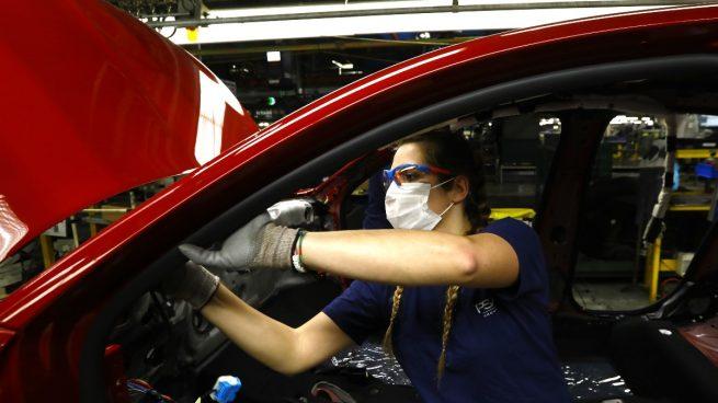 Stellantis (PSA) pierde la producción de 10.000 coches en Zaragoza al mandar 5 días a casa a sus trabajadores