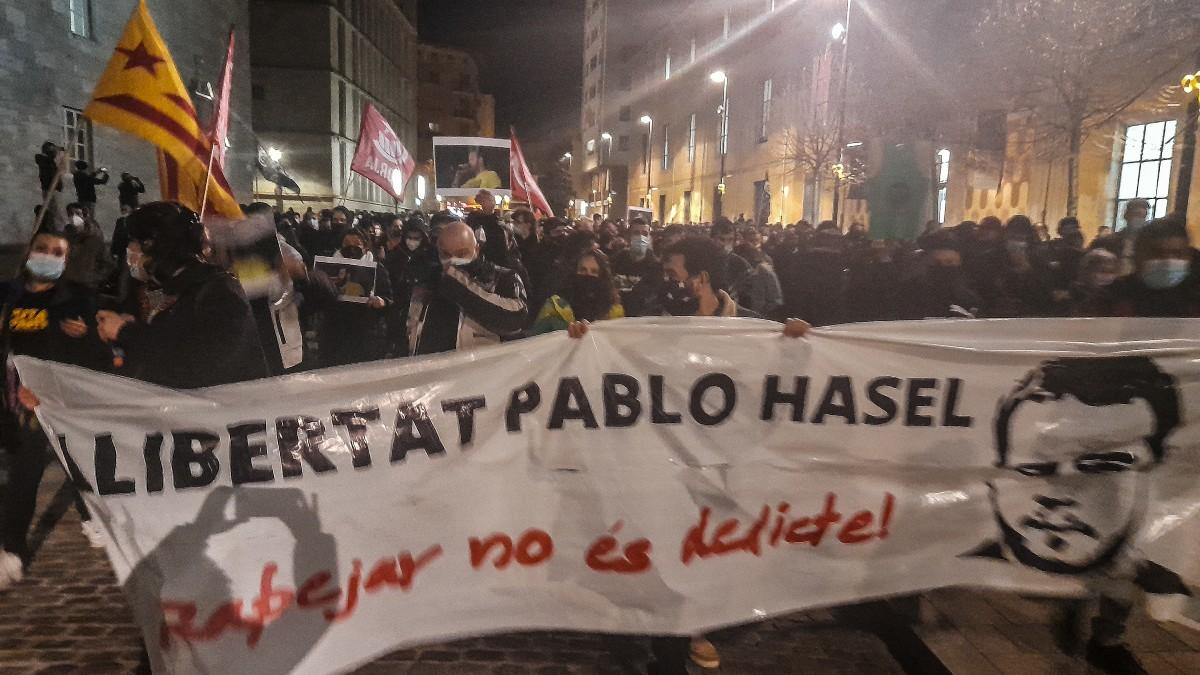 Hosteleros claman contra la doble vara del Gobierno: «Cierran bares pero permiten las  protestas de Hasel»