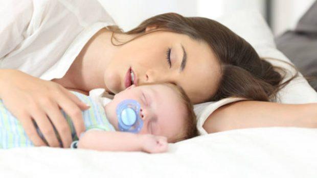 Las seis reglas de oro para conseguir que el recién nacido duerma toda la noche