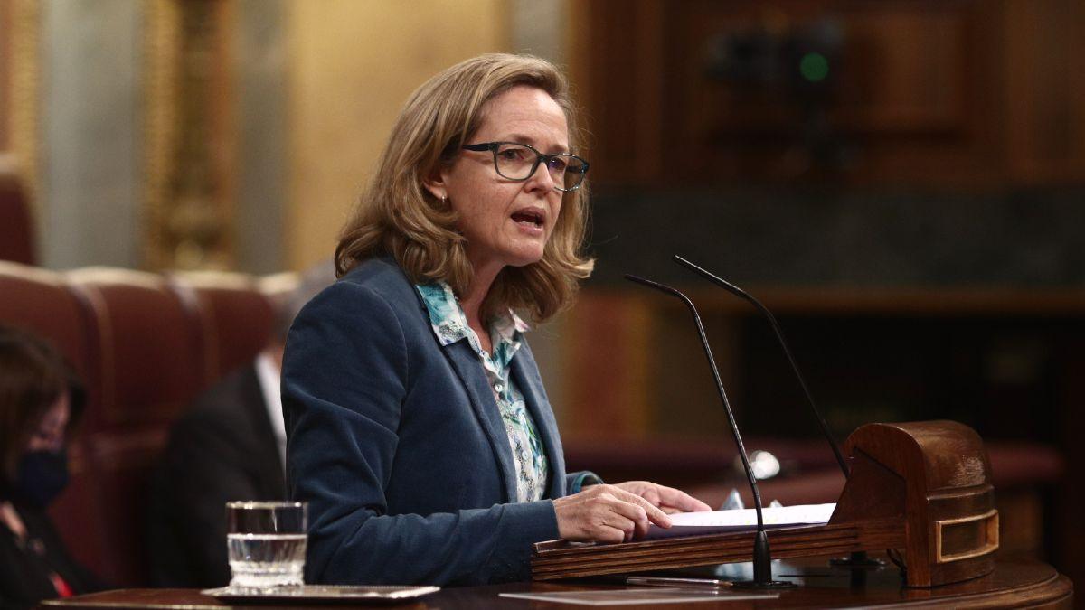 Calviño admite que el Gobierno tendrá que revisar a la baja su previsión de crecimiento para 2021