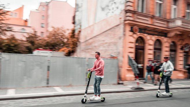 En 2020 hubo más de 100 accidentes con patinetes y los afectados fueron jóvenes de entre 16 y 35 años